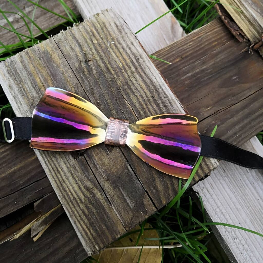 Originální marevný motýlek Steelek - ručně kovaný kovový motýlek